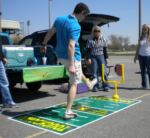 Tailgate_Shootout_ParkingLot_Extra_point