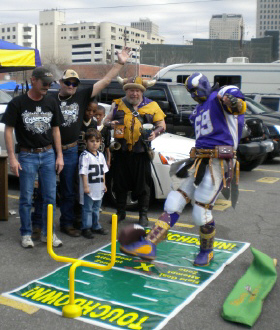 Tailgate_Shootout_ParkingLot_Vikings