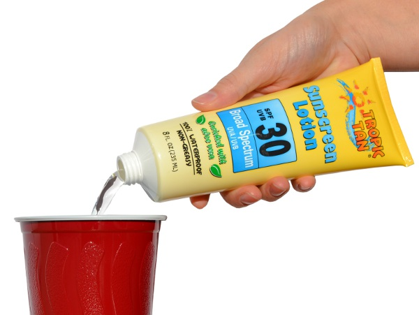 Sunscreen Flask pouring