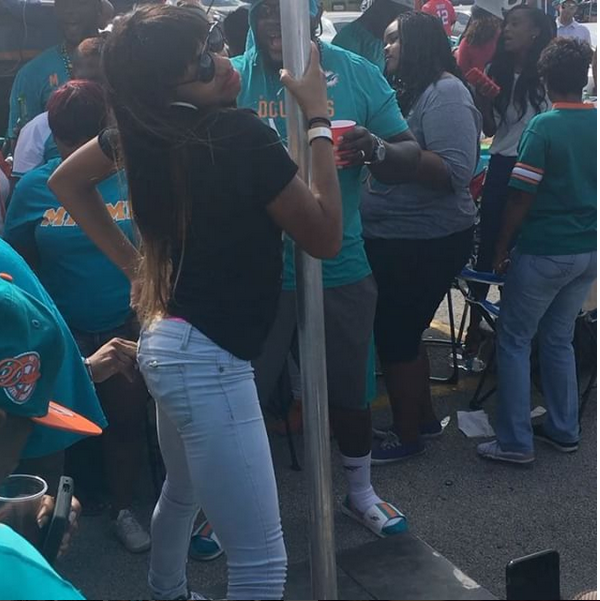 Miami_Dolphins_Tailgate_Stripper_Pole